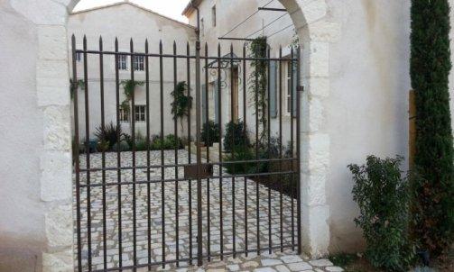 Création et Pose de Portails en Fer Saint-Gilles