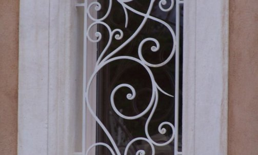 Création et Pose de Porte Nîmes