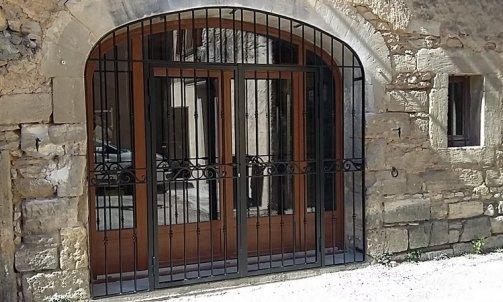 Pose de Porte en Fer Saint-Gilles