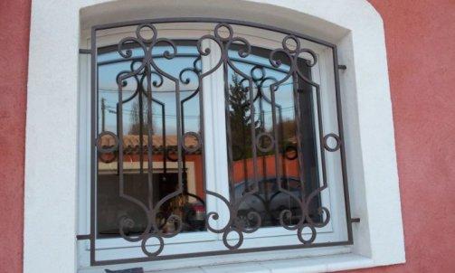 Porte Marguerittes